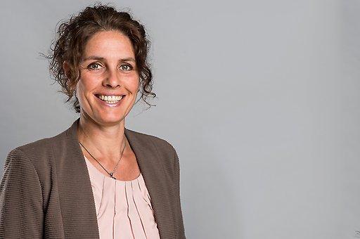 Angela van Kuringen   Directiesecretaresse   medewerker Laride